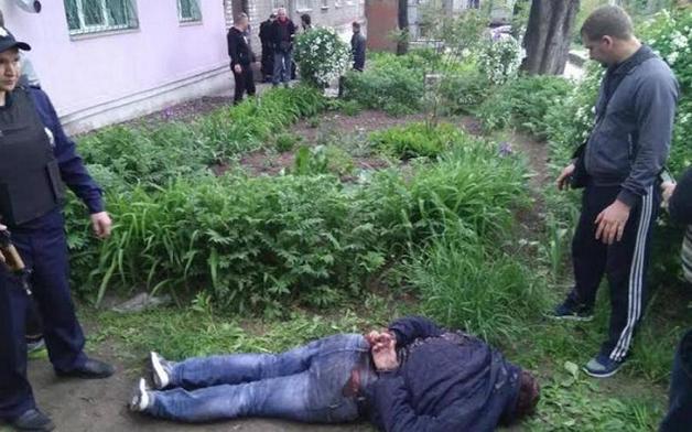 Появилось видео, где охранник Яроша ранил таксиста из пистолета