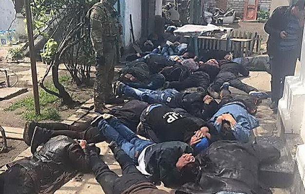 СБУ и полиция в Николаеве накрыли группу наркоторговцев, которую «крышевал» полицейский