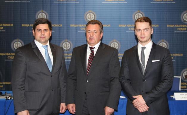 Друг Януковича-младшего Владимир Вильчинский занимается контрабандой в АТО прямо из администрации Порошенко
