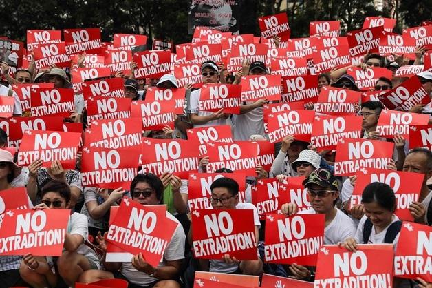 Twitter уличил власти Китая в ведении информационной кампании против протестующих в Гонконге