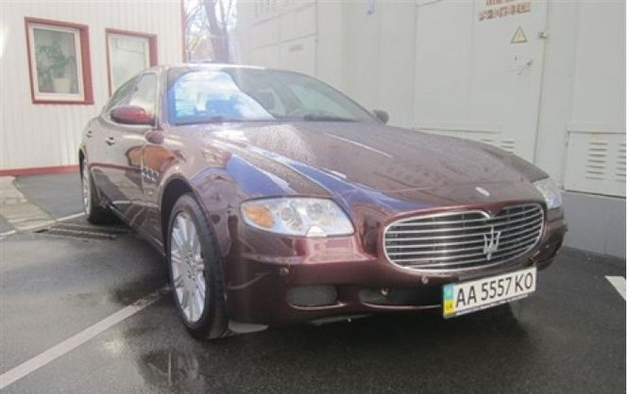 """Банк """"Надра"""" продал Maserati за 380 тысяч гривен"""