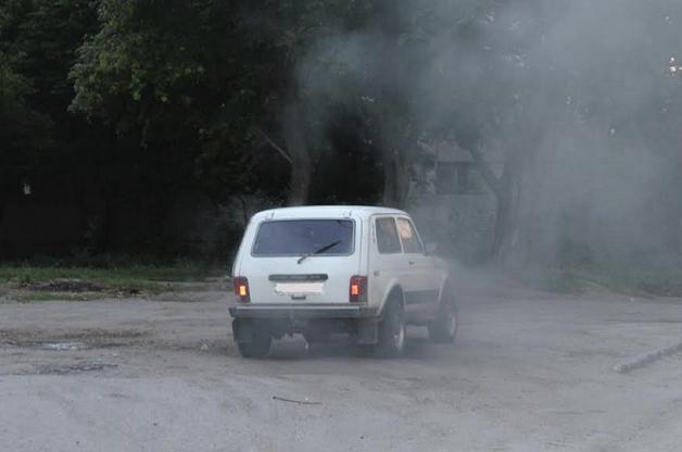 В Кропивницком взорвали автомобиль чиновника, мужчина тяжело ранен