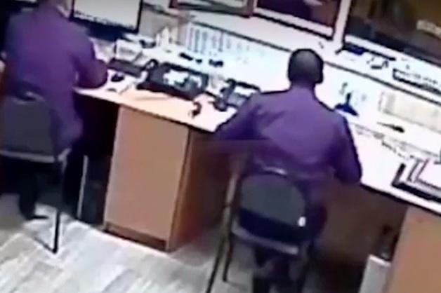 В Саратовской области полицейскому объявили выговор за нападение в ОВД на мужчину со словами «Я здесь главный»