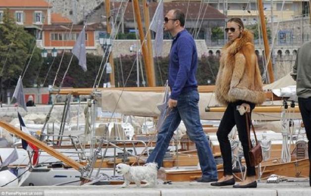 Андрей Мельниченко снял устаревшую экстравагантную лодку с продажи