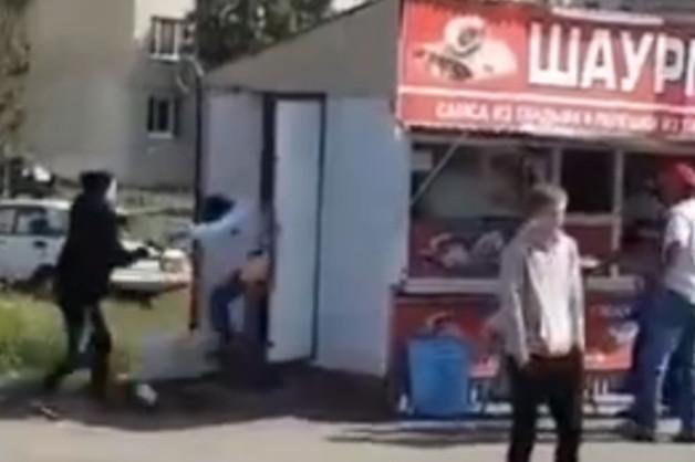 В Рязани неизвестный устроил стрельбу у киоска с шаурмой