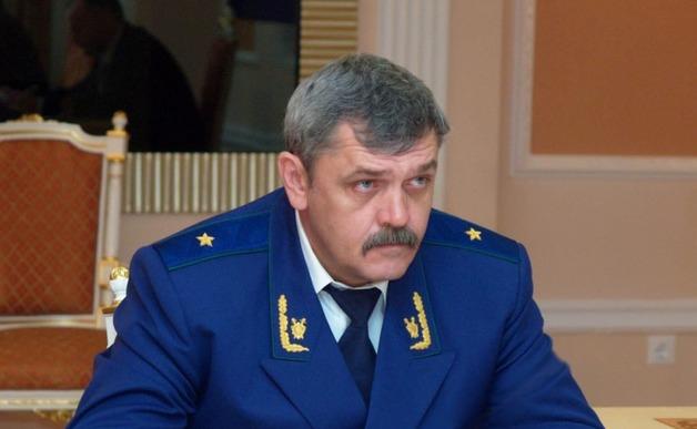 Непотопляемого прокурора Ямала считают причастным к крышеванию ОПГ в регионе