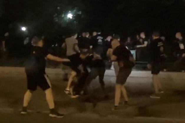 Участвовали около 15 человек. В московском Царицыно произошла массовая драка