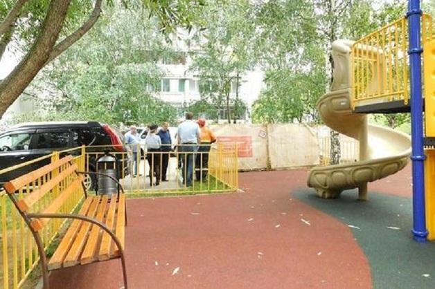 Подростка ударило током на детской площадке в Москве. Возбуждено уголовное дело