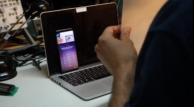 Сканер радужки глаза в Samsung Galaxy S8 удалось обмануть при помощи принтера