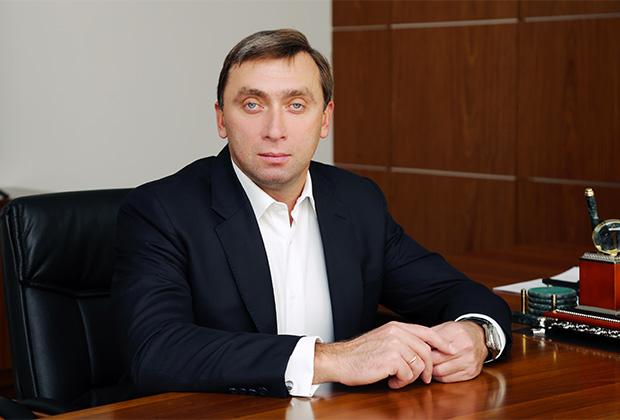 Топ-менеджеры «Рэйлтрансхолдинга» Гыберт и Шаповалов обобрали «ВЭБ-лизинг» и бежали на Украину