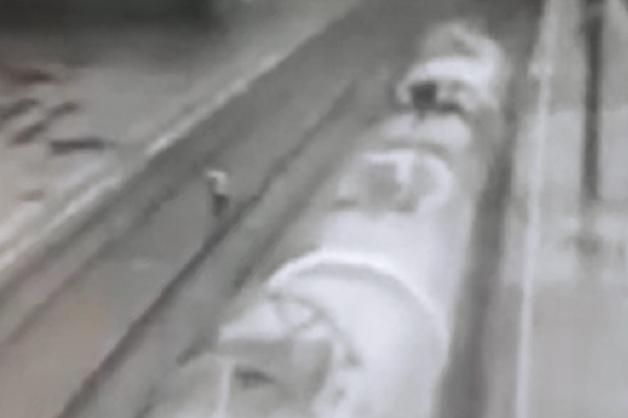 В Башкортостане 15-летняя сирота легла под поезд. Шокирующее видео