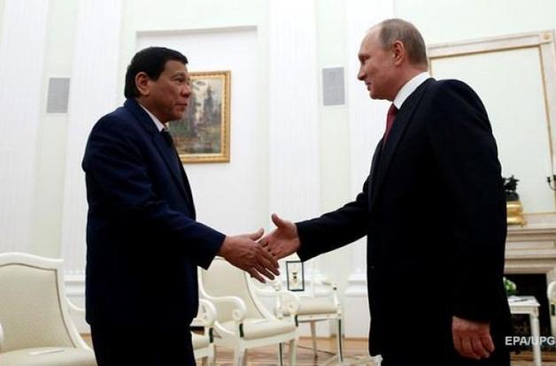 Президент Филиппин приехал в Москву за оружием