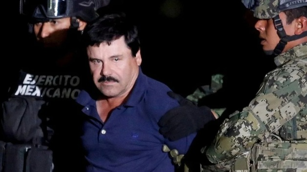 Пулеметы на грузовиках и поджог машин: Как мексиканский наркокартель «отбивал» у спецназа сына наркобарона