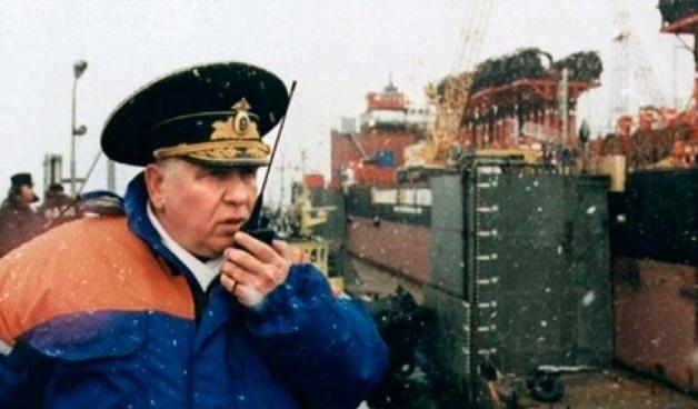 Вице-адмирал, руководивший учениями и подъемом затонувшей подлодки «Курск», умер после долгой болезни