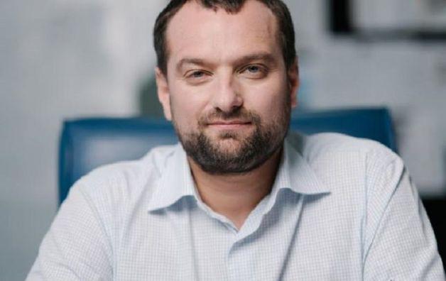 Бездипломный аферист Андрей Вавриш подставил Андрея Богдана со списком мажоритарщиков Зеленского