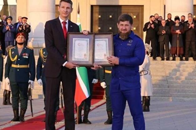 Рамзан Кадыров попал в Книгу рекордов России. Как организатор рекордов