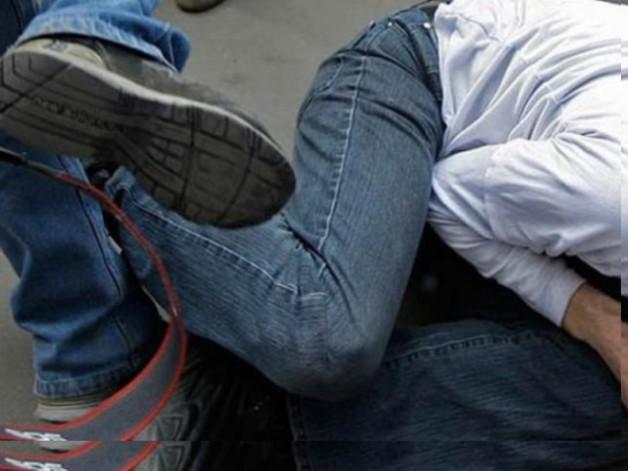 Бил ногами за низкий рост: в сети появилось дикое видео расправы над школьником в Новосибирске