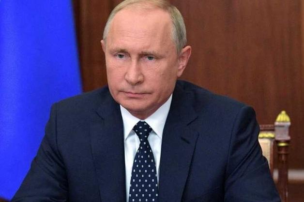 Песков назвал кулак Путина чудесно сформулированной рекомендацией