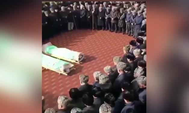 Опубликовано видео с традиционных ингушских похорон главы центра «Э» и его брата