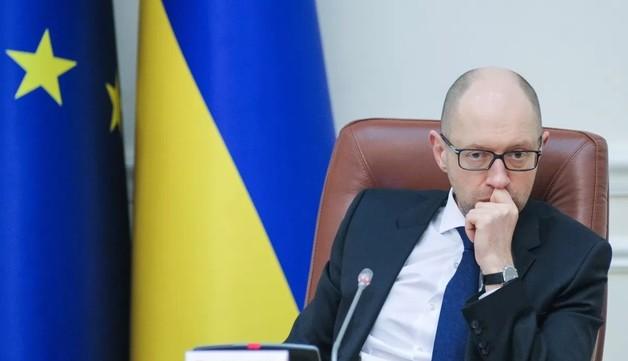 НАБУ начало расследовать возможную дачу экс-депутатом 6 млн долларов взятки Яценюку