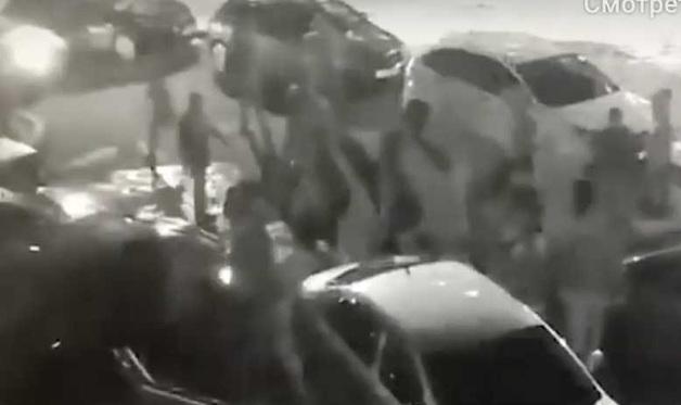 В Сети опубликовали видео бойни между двумя ОПГ в Казани