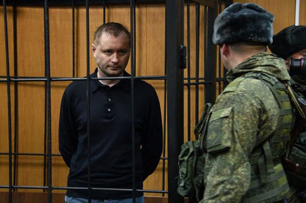 Обвиняемому в коррупции экс-главе ЦСКА продлили арест