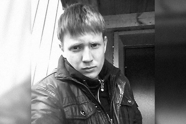 Бурятских полицейских приговорили к срокам до 8 лет за гибель Никиты Кобелева, захлебнувшегося рвотой на допросе
