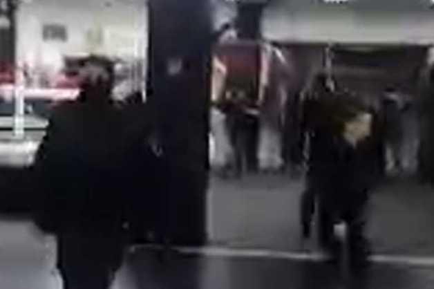 Силовики в масках пришли на антифашистский турнир по единоборствам в Москве