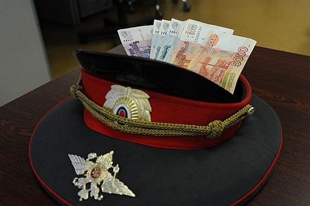 В Ростове-на-Дону офицера полиции приговорили к 4 годам колонии за взятку