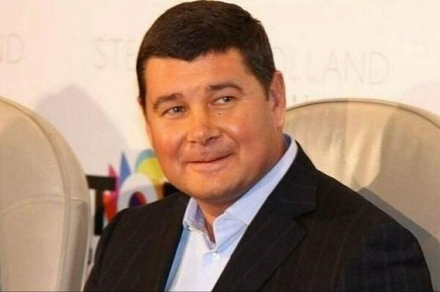 Заякорился в Италии? Всплыла скандальная информация о возвращении Онищенко