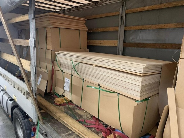 На границе со Словакией задержали грузовик с 370 кг героина: фото