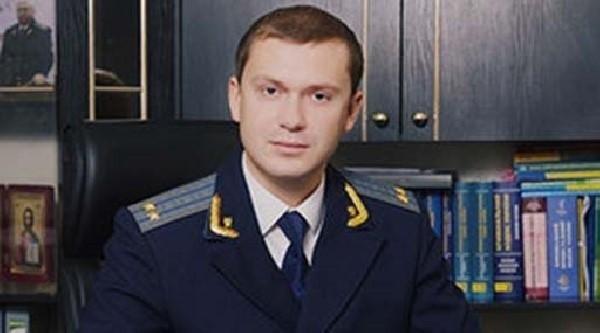 Предприимчивый Ульмер: родня Бориспольского прокурора обзавелась по месту его работы 12 земельными участками и 3 квартирами