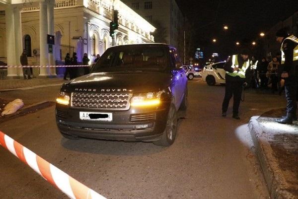В центре Киева при обстреле автомобиля Range Rover убили ребёнка