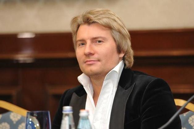 Николай Басков после смерти отца написал о враче и выразил негодование