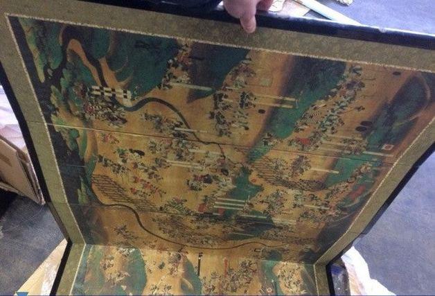 В Украину пытались незаконно ввезти японские артефакты на $300 тыс.