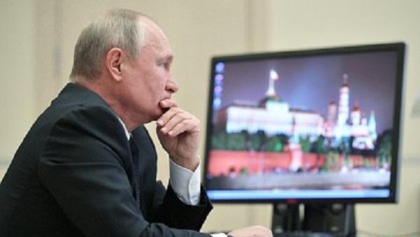 Путин продлил «заморозку» роста довольствия для расчета пенсий военных