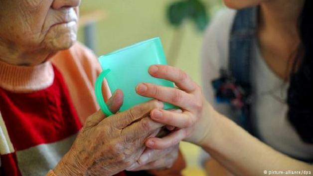 Как «русская мафия» в Германии «пилит» деньги фонда по уходу за стариками