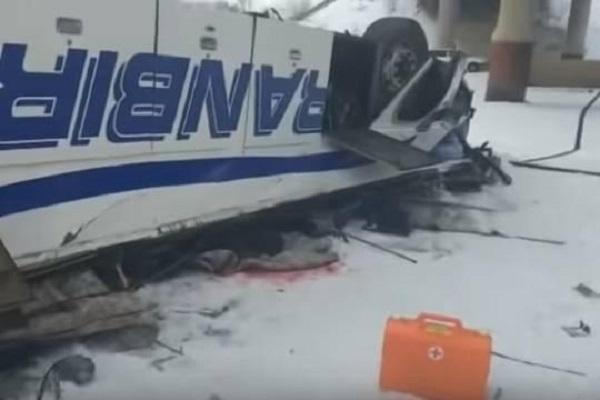 Стало известно о гибели четырех детей в результате падения автобуса с моста в Забайкалье