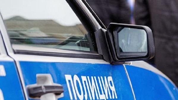 Россиянин нашел на капоте автомобиля мертвую голую девочку