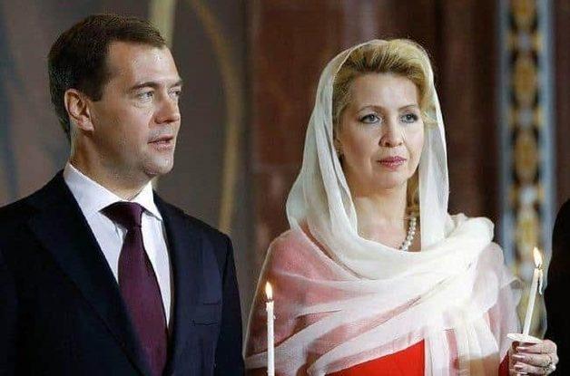 ФБК: жена Медведева летает на «офшорном» самолете за 50 млн долларов