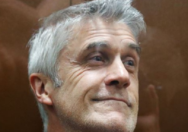 Армен Аветисян беспрецедентно заморозил Майкла Кальви