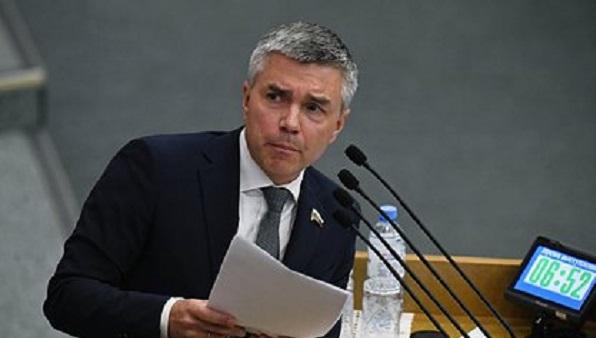 Депутатов Госдумы призвали терпеть тяготы и лишения