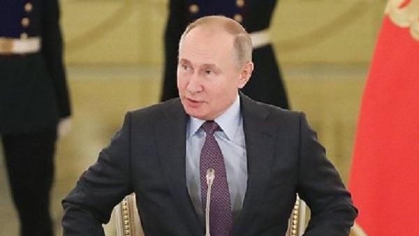 Путин оценил идею пересмотреть присвоение Кадыровым званий Героя России