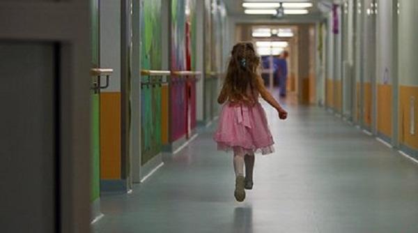 Россияне всю жизнь держали здорового ребенка в клинике за миллион рублей в месяц
