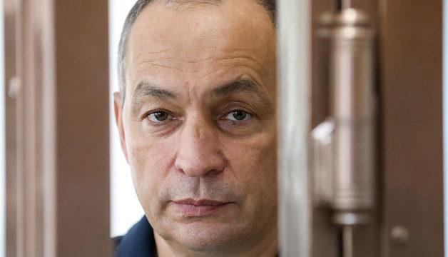Бывшего главу Серпуховского района, который держал голодовку, начали принудительно кормить в СИЗО