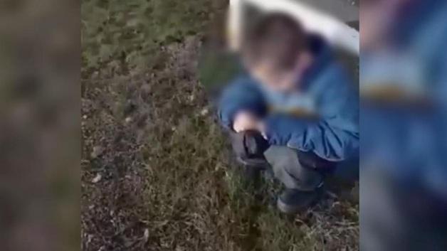 Родители брошенного на трассе ребенка обвинили спасшую его россиянку в похищении