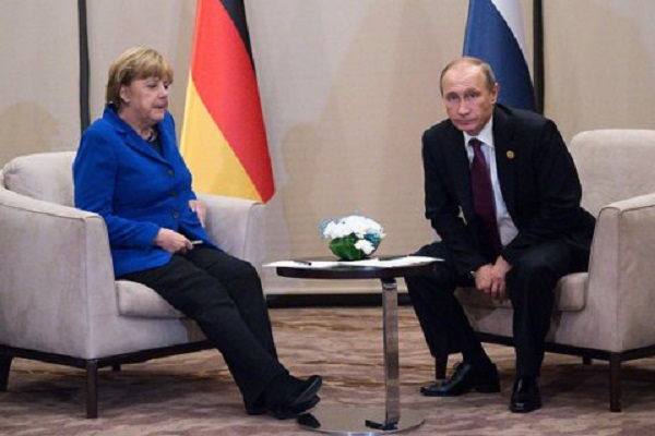 Путин и Меркель обсудили транзит газа и «нормандский саммит»