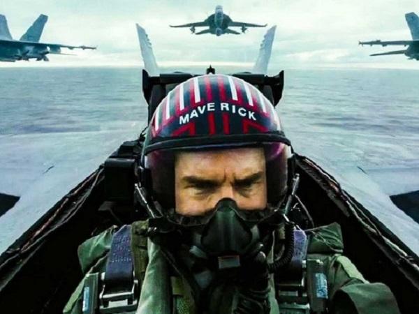 Вспомнил молодость: Том Круз сыграл героя-летчика спустя 34 года после выхода первой части ленты