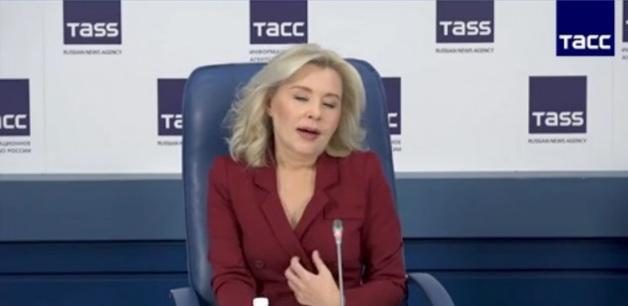 Светлана Радионова целит в губернатора Савченко, а попадет в вице-премьера Гордеева