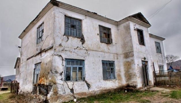 В Госдуме предложили переселять россиян из аварийных домов в кредит
